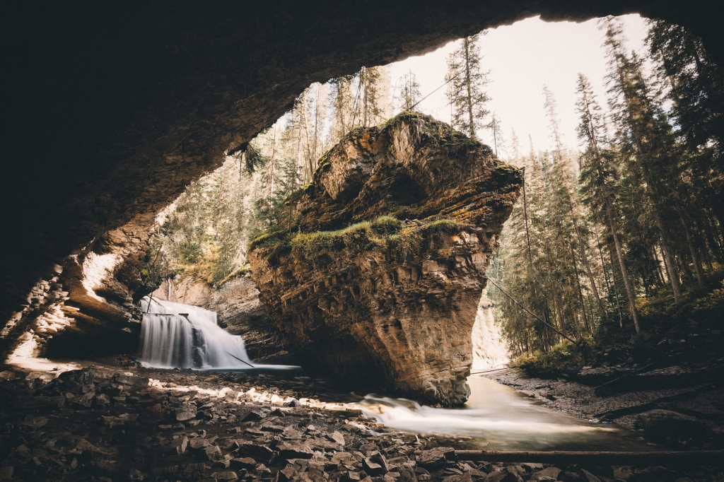 photo by Johannes Hulsch