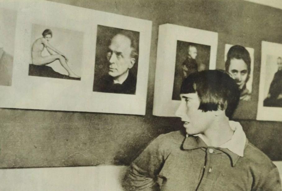 Трюде Флейшманн со своей работой
