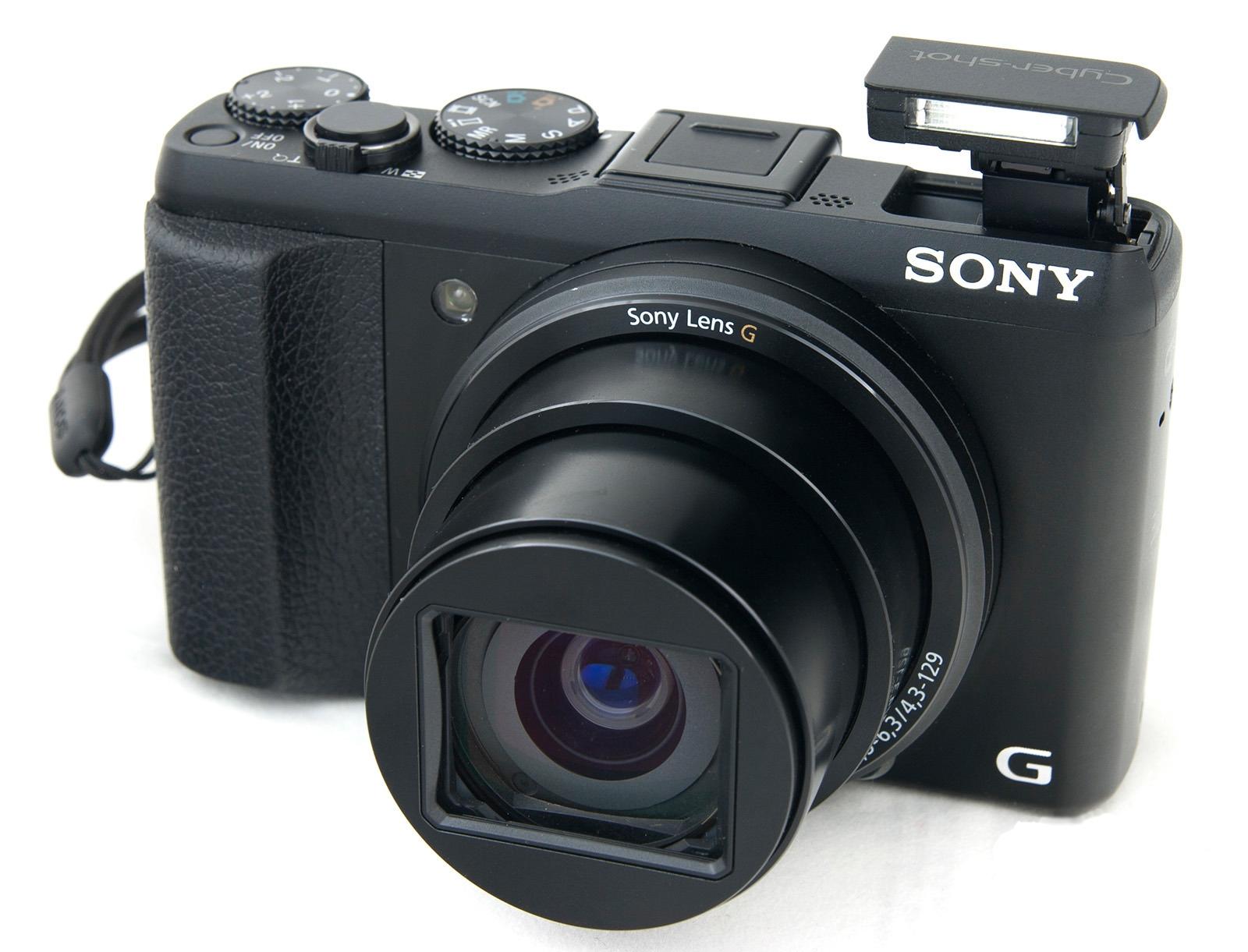 Компания SONY выпустила в продажу компактную камеру Cyber-shot DSC-HX50. Благодаря свойствам компакт можно назвать «подзорная труба в кармане»