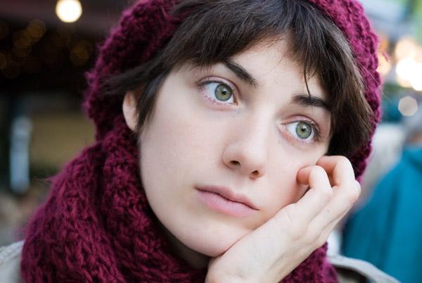 задумчивость и созерцание в выражении эмоций при портретной фотографии