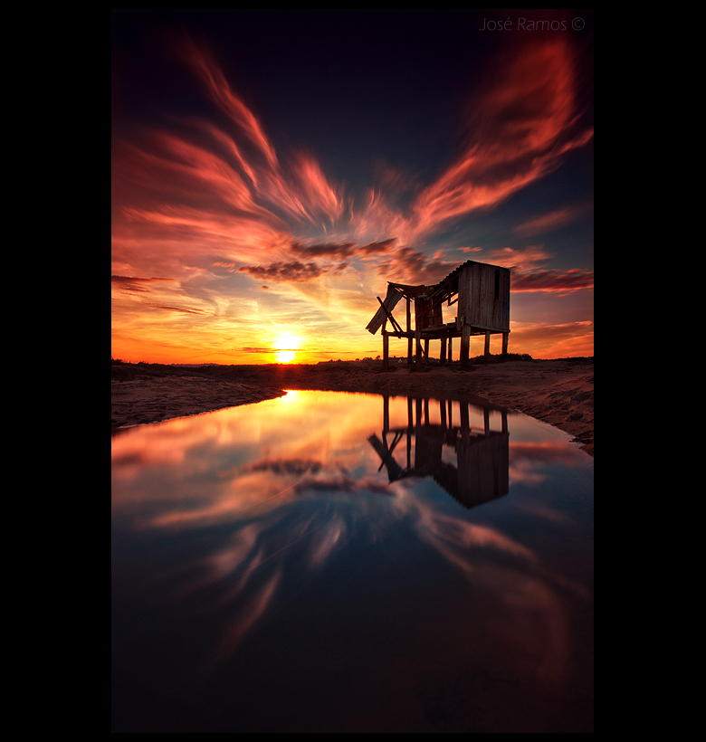 фотографирование заката в отражающей поверхности