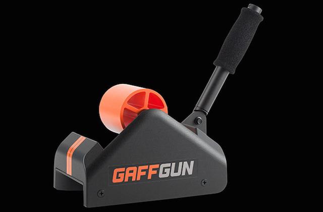 удобное приспособление для сборки проводов в студии GaffGun