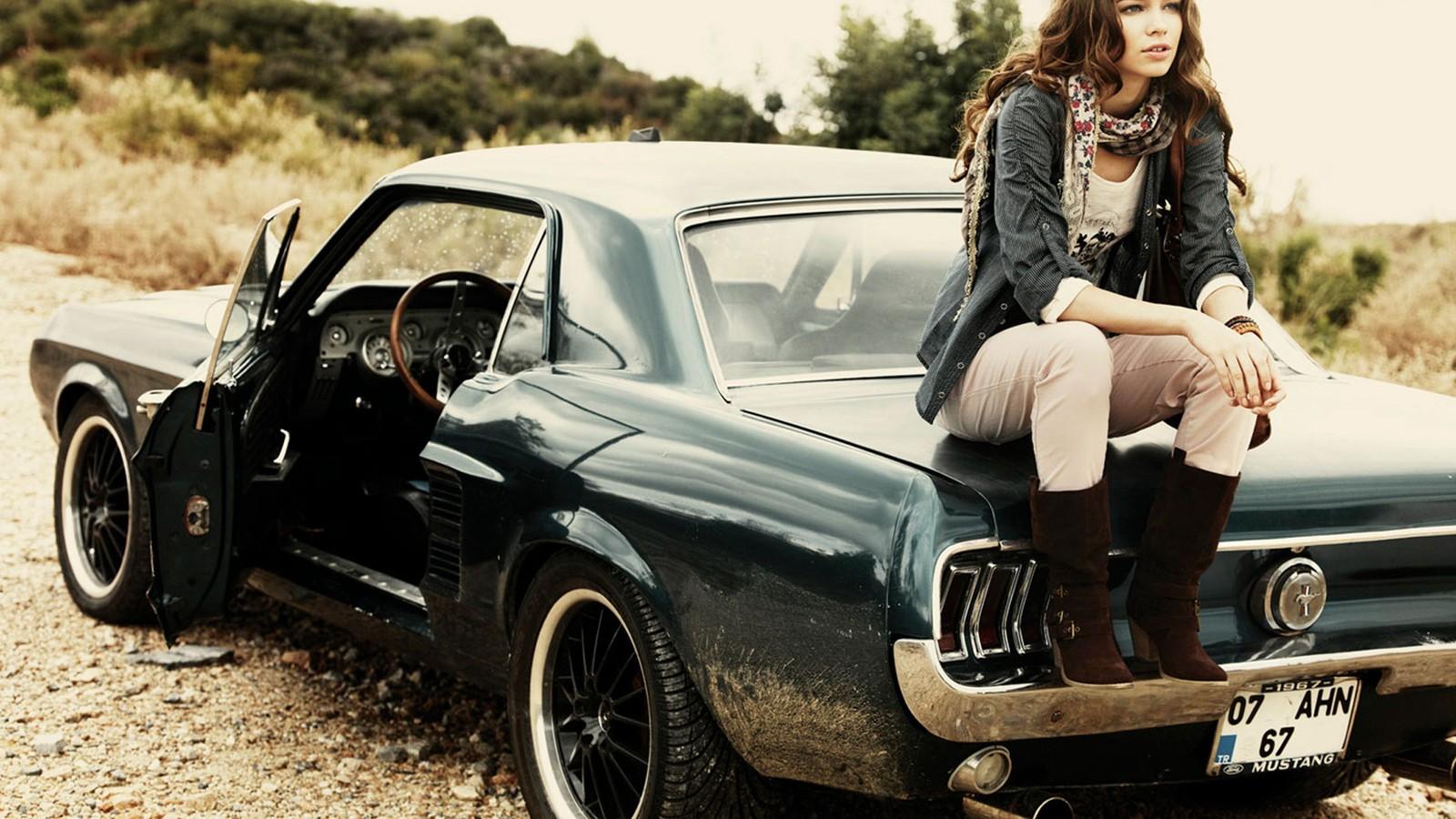 зачем фотографу девушки и автомобили