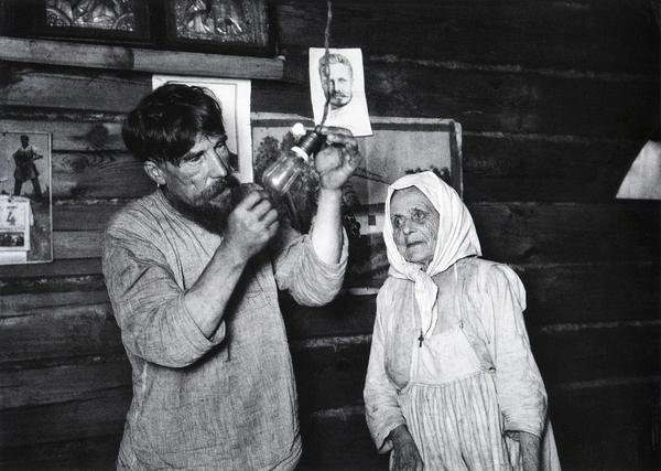 лампа Ильича фотограф Аркадий Шайхет