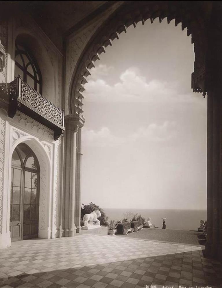 1908 Алупка. Вид из Альгамбры