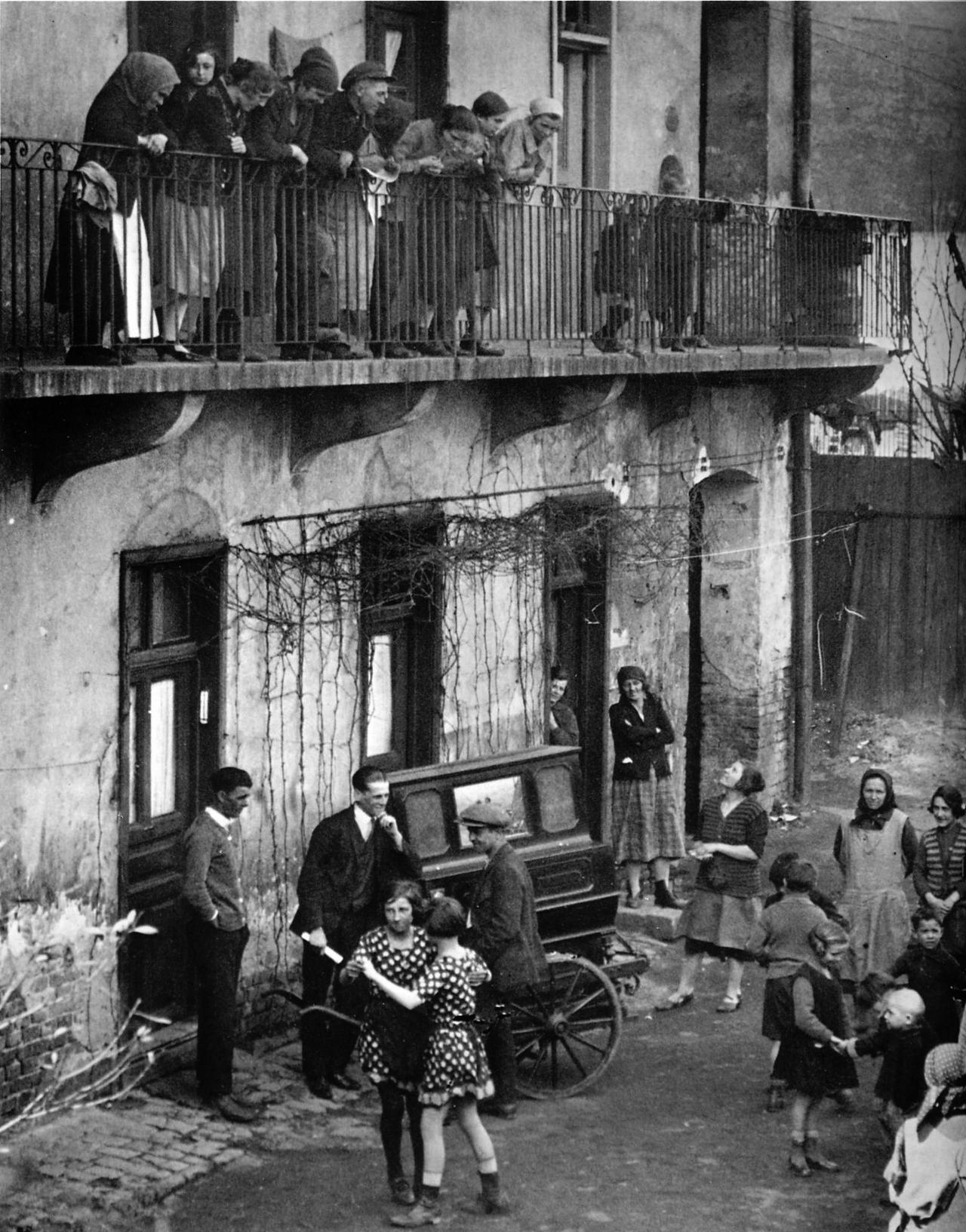 классики фотоискусства Мартин Мункачи