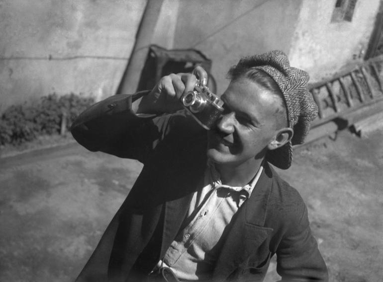Евгений Халдей портрет