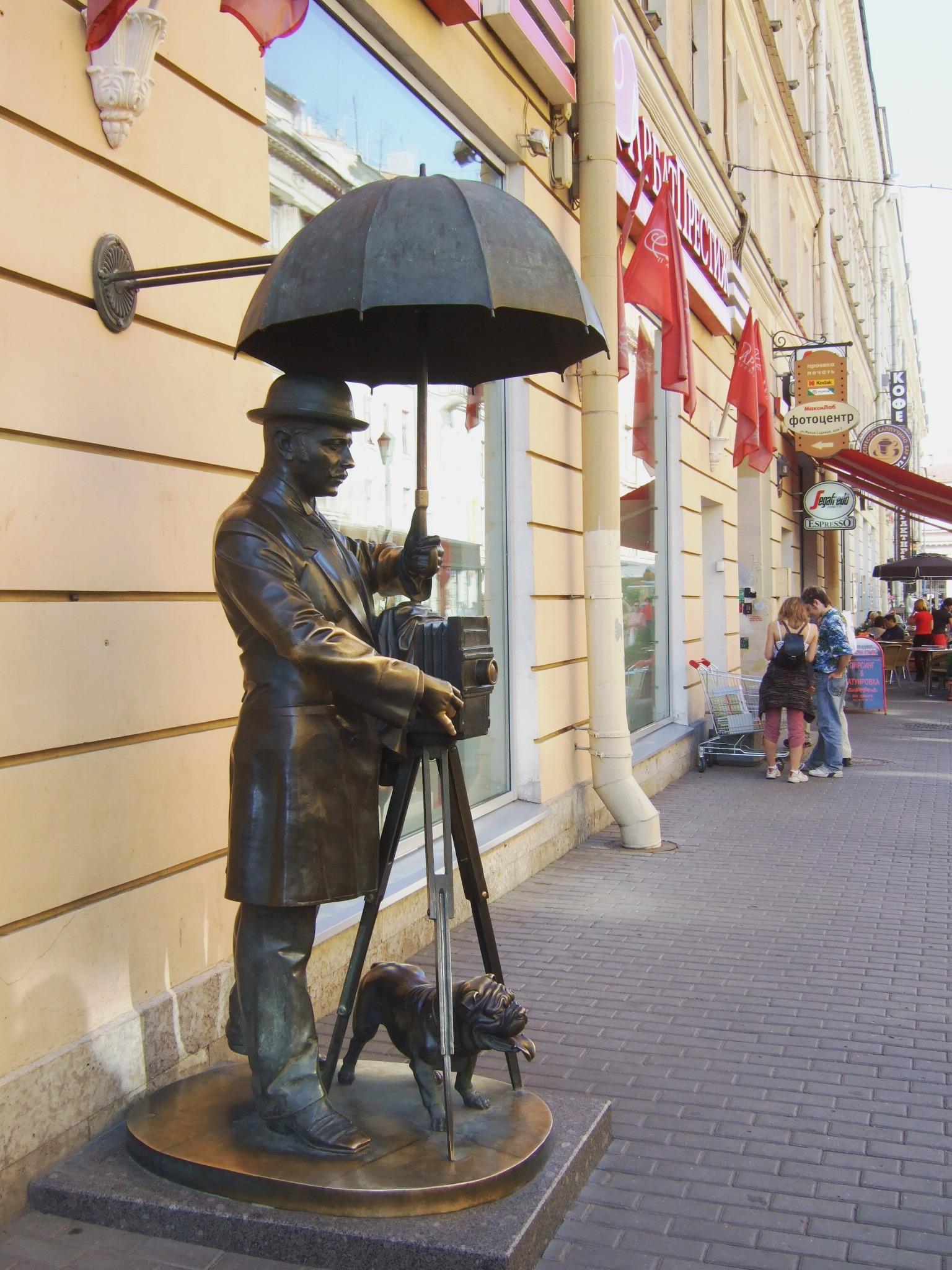 Памятник фотографу санкт петербург