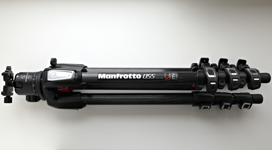 В комплекте с Manfrotto 055CF